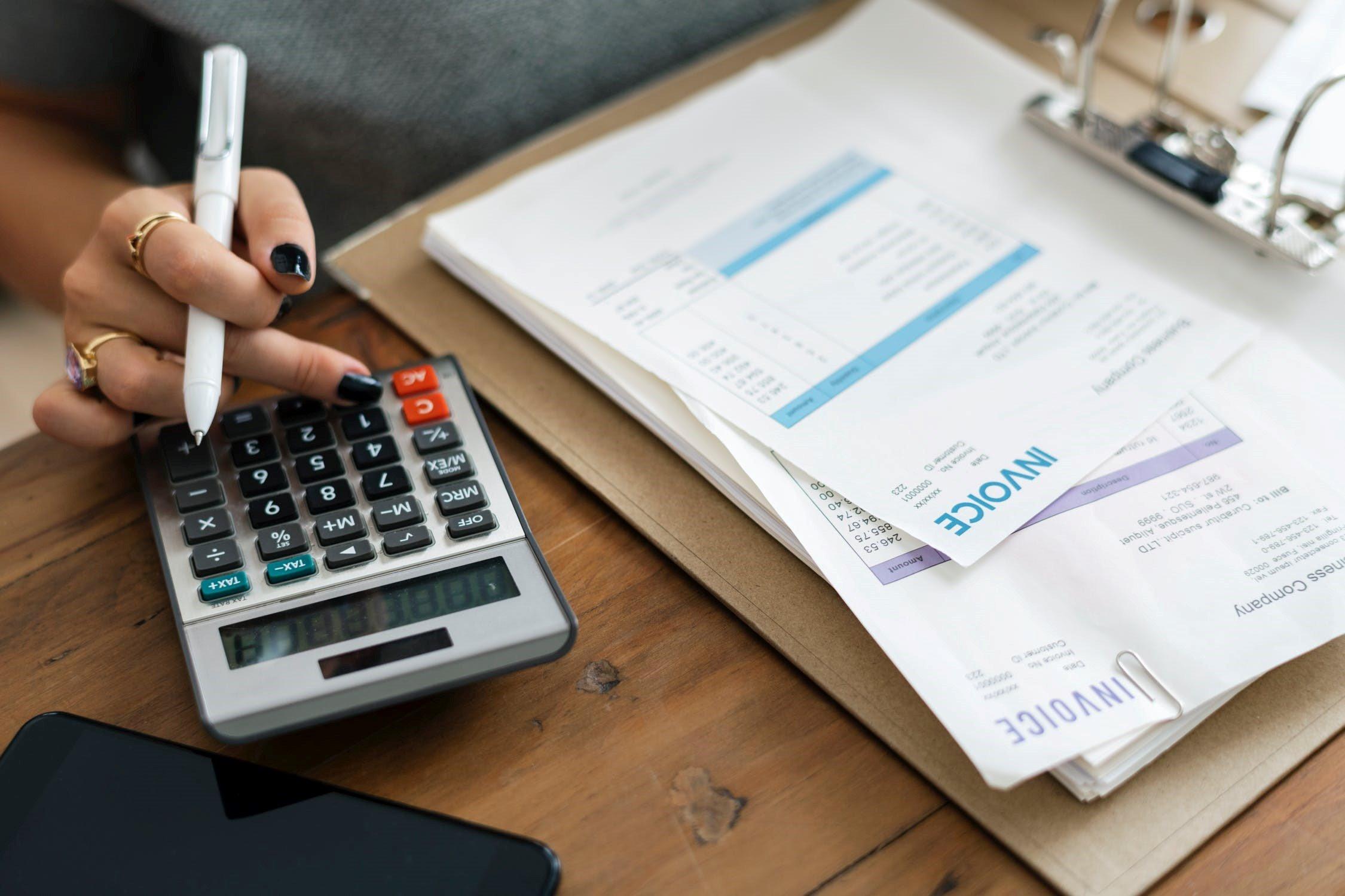 Empat Format Laporan Keuangan - Szeto Consultants